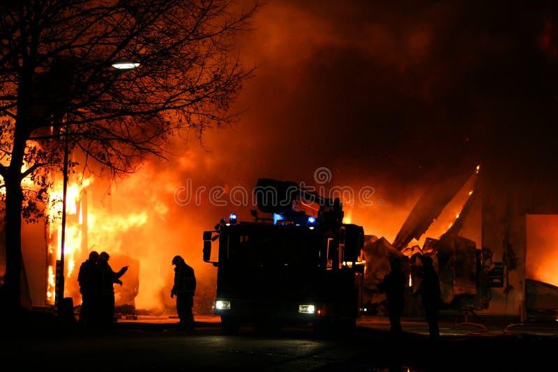 walczący pożarniczy palacze obrazy royalty free