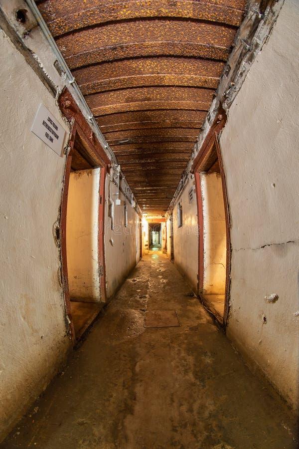 Walcz zachodniopomorskie/Polen - Maj, 24, 2019: Gamla tyska bef?stningar i Pomerania Frilufts- Wareg gruppBrickyard - royaltyfria foton