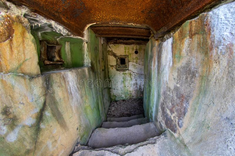 Walcz zachodniopomorskie/Polen - Maj, 24, 2019: Gamla tyska bef?stningar i Pomerania Frilufts- Wareg gruppBrickyard - royaltyfria bilder