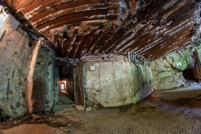 Walcz zachodniopomorskie/Polen - Maj, 24, 2019: Gamla tyska bef?stningar i Pomerania Frilufts- Wareg gruppBrickyard - arkivfoto
