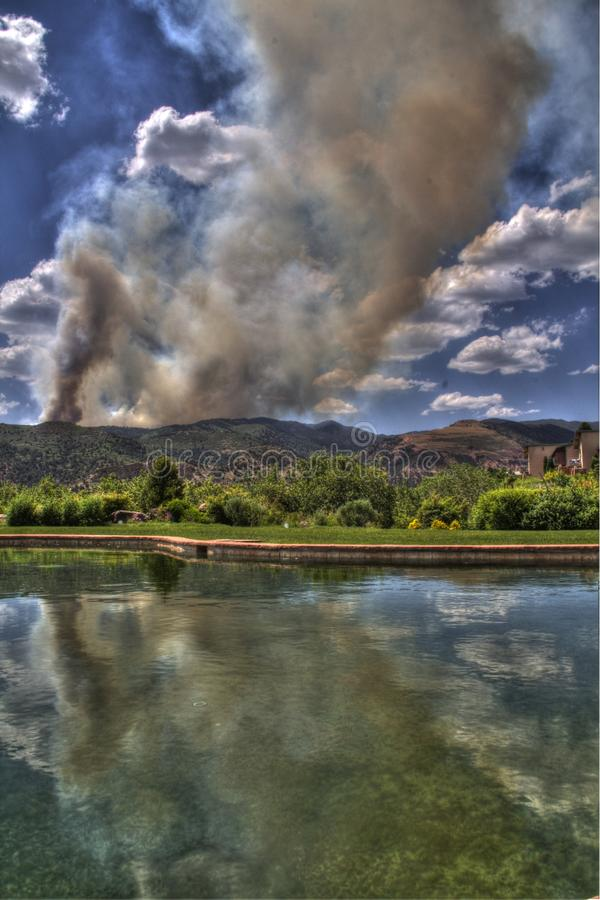 Download Waldo Canon Wild Fire In Reflection Pool Editorial Stock Image - Image: 25410089