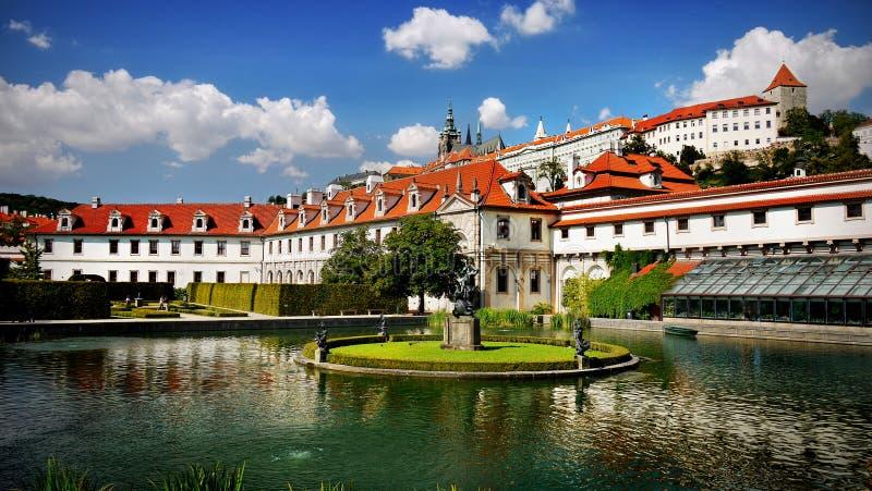 Waldstein slottträdgård, Prague arkivfoto