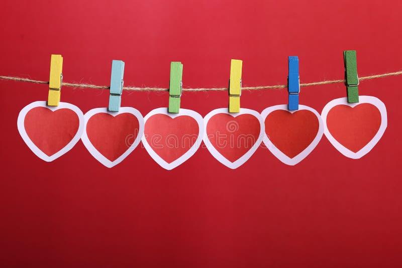 Walentynek serca Wiesza Na linii zdjęcia royalty free