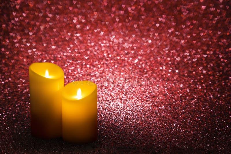 Walentynka dnia świeczek serc Czerwony tło, Ślubna świeczka zdjęcia royalty free