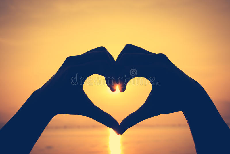 walentynka tła piękna ilustracyjny wektora Miłość kształta ręki sylwetka na nieba backgrou obraz stock