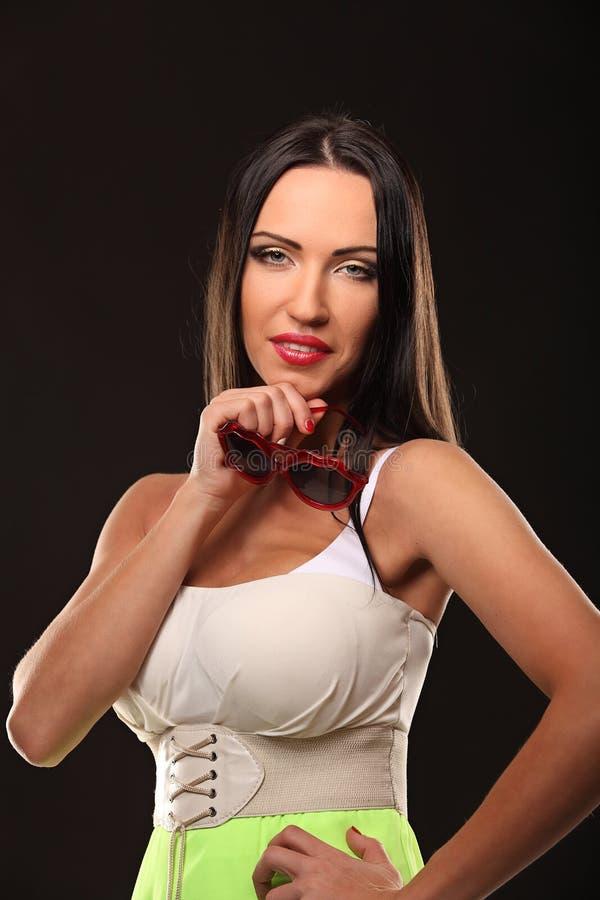 Walentynki piękna dziewczyny portret odizolowywający na czerni obraz royalty free