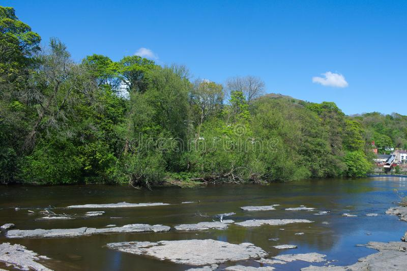 Wales, Llangollen, der Fluss Dee stockfotos
