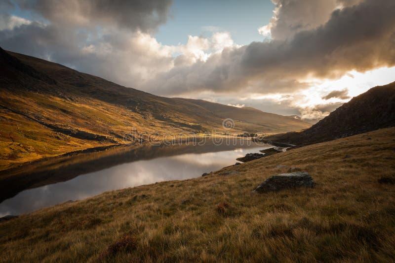 Walesisk berg sjö royaltyfri fotografi