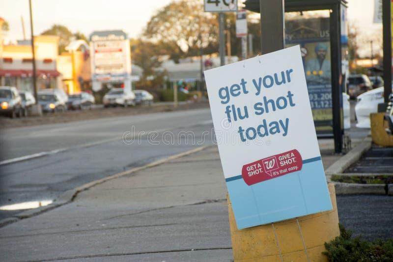 Walgreens-Drogeriefahnenwerbung Grippeimpfungsverfügbarkeit stockfoto