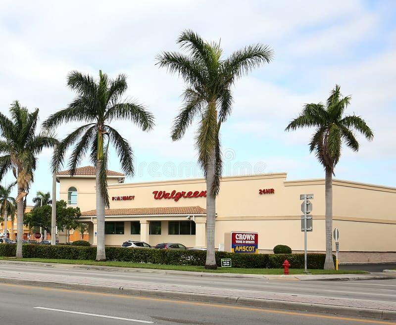 Walgreens mischt Schaufenster in Florida Drogen bei stockbilder