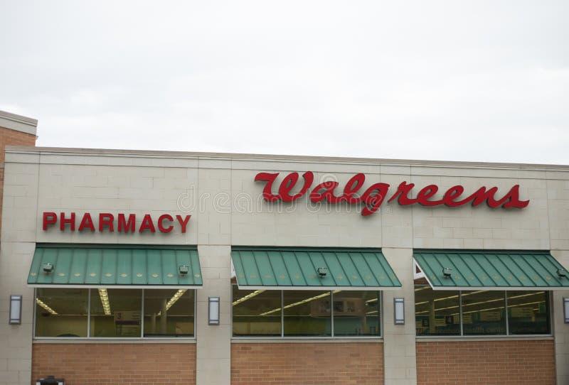 Walgreens-Speicher-Äußeres und Zeichen Walgreens ist die Einzelhandelskette der größten Droge in den Vereinigten Staaten stockfotos