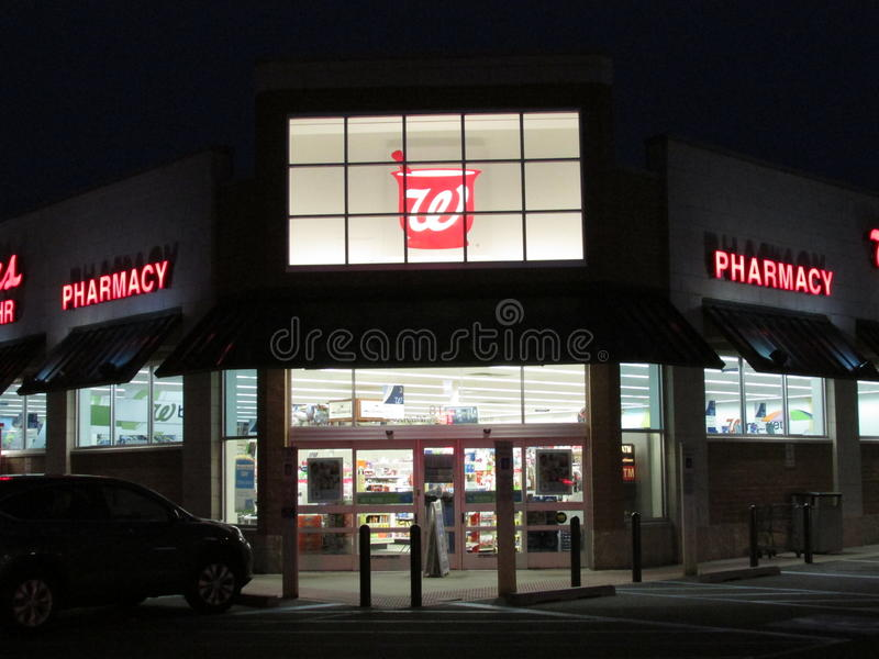 Walgreens store in Edison on Rt 1 at night, NJ USA. stock photography