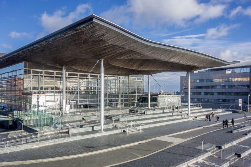 Waliser-Versammlungs-Gebäude an Cardiff-Bucht, Großbritannien lizenzfreie stockfotografie