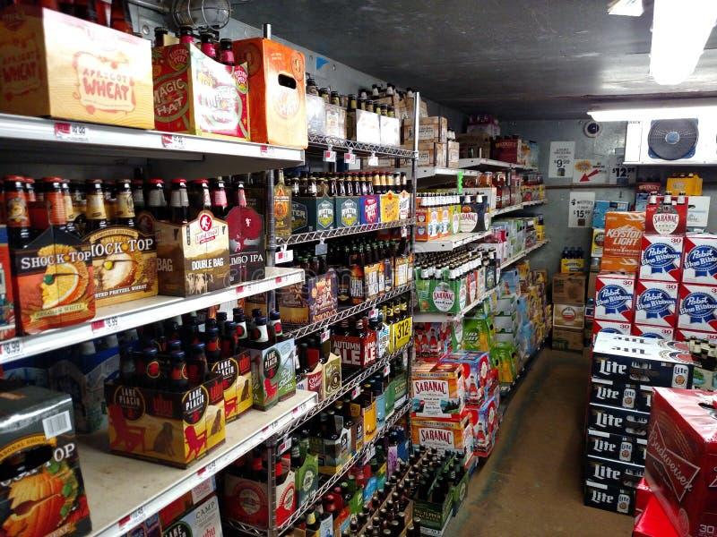 Walk-in bier koeler hol royalty-vrije stock fotografie
