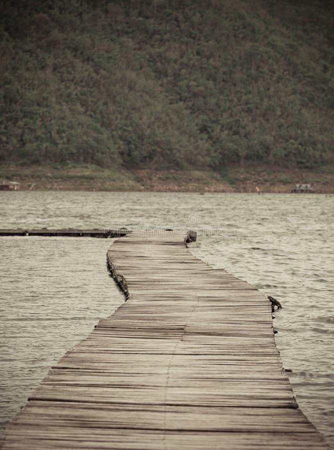 Download Walkway fotografering för bildbyråer. Bild av skog, croatia - 76700427