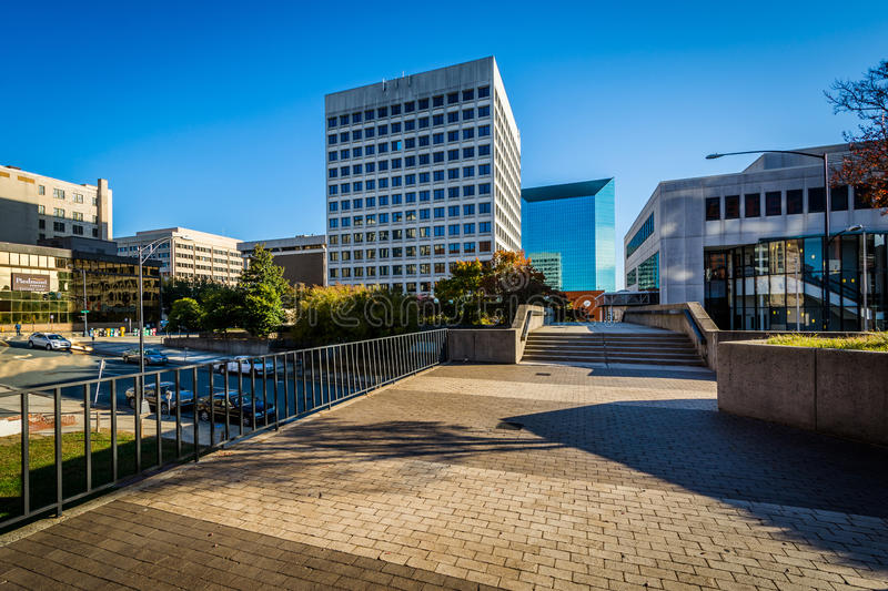 Walkway and buildings in downtown Winston-Salem, North Carolina. royalty free stock photos