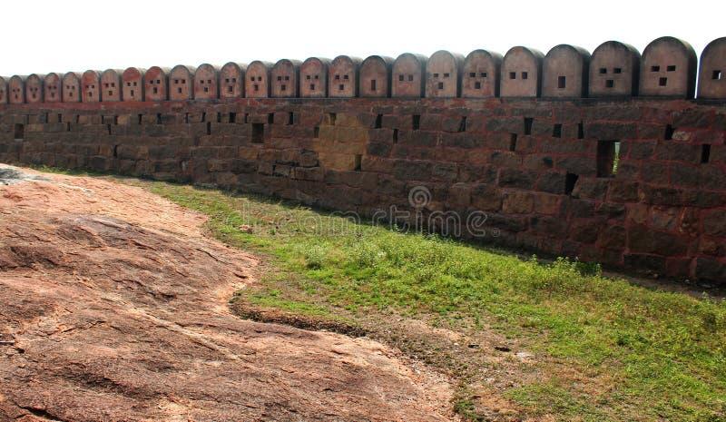 The wall of fort. Fort Tirumayam, tamilnadu, india - Sethupathi Vijaya Raghunatha Tevan [1673-1708] of Ramanathapuram, popularly known as Kilavan Sethupathi stock photo