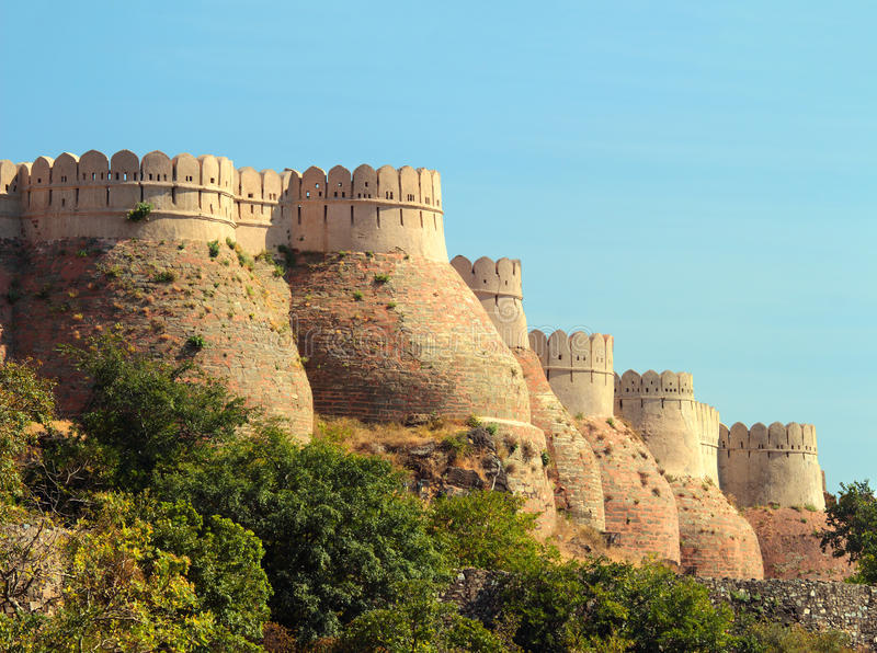 Download Wall of kumbhalgarh fort stock photo. Image of hinduism - 30241560