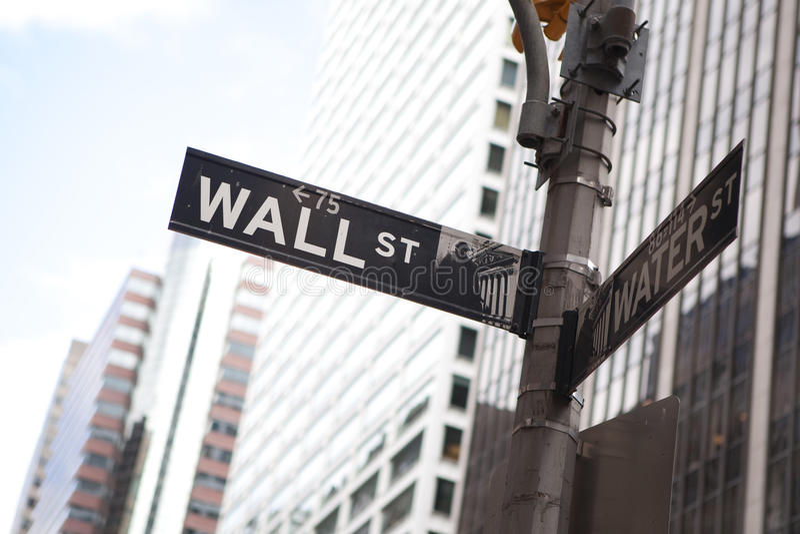 Wall Street en Nueva York imagen de archivo libre de regalías