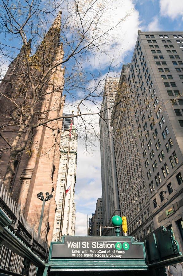 Wall Street - entrée de souterrain dans le Lower Manhattan, New York City photos stock