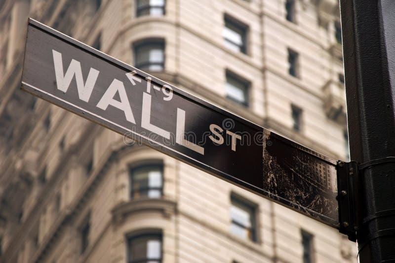 Wall Street Firma Adentro New York City Foto editorial