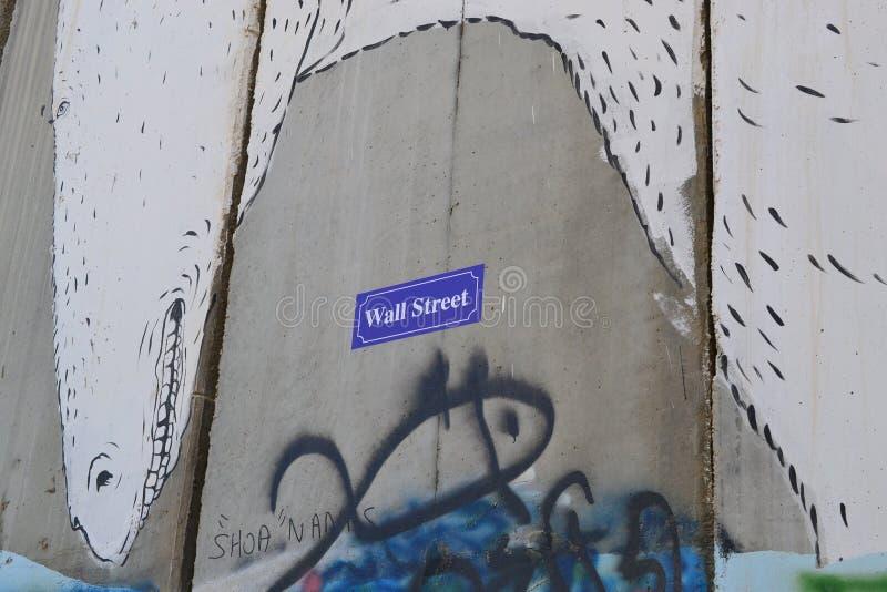 Wall Street Kunst en geschrift op de muur in Bethlehem, tussen Palestina Cisjordanië en Israël royalty-vrije stock foto's