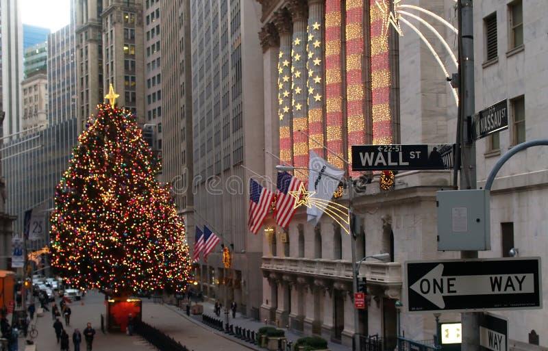 Wall Street in untererem Manhattan lizenzfreies stockfoto