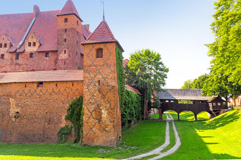 Download The Wall And Towers Of Malbork Castle Stock Photo - Image of knights, historic: 31546454