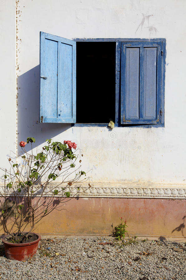 Free Wall With Blue Shutter Window Stock Photo - 23238110