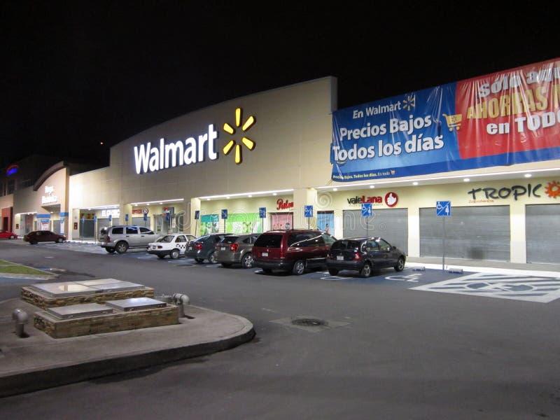 Walmart i Cuautitlan Izcalli i Mexico royaltyfria foton