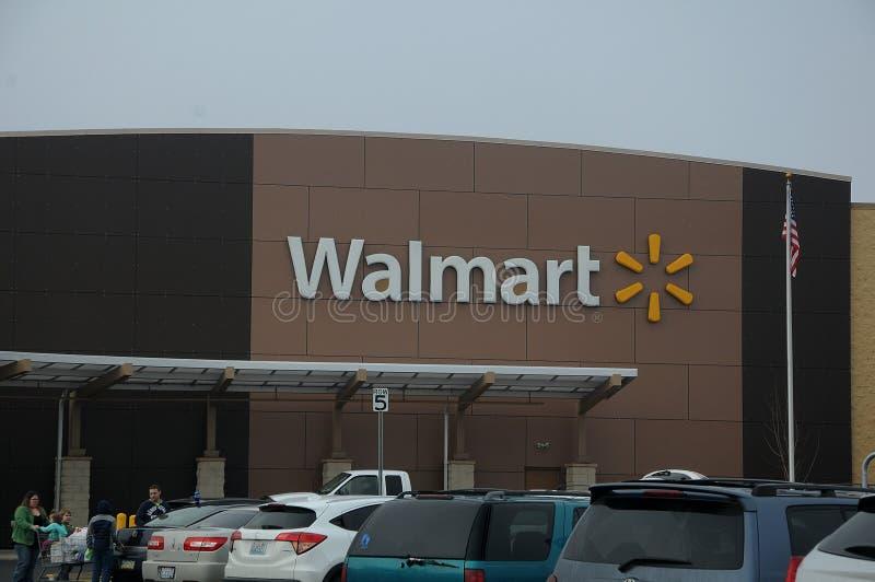 WALMART sklep W WASZYNGTOŃSKIM usa zdjęcia royalty free