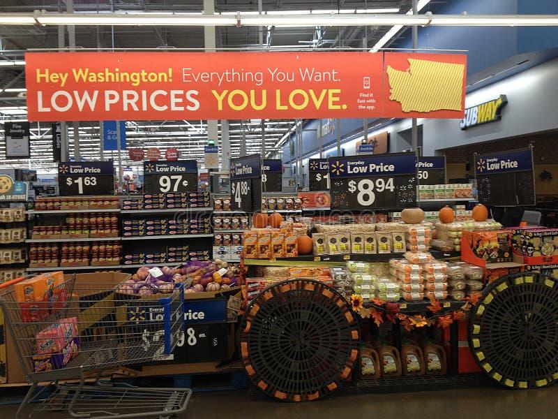 WALMART STORE IN CLARKSON,WASHIGNTON, USA. CLARKSTON/WASHINGTON//USA /  30.September 2019 /Shopper at Walmart store in Clarkston washington united states of stock image