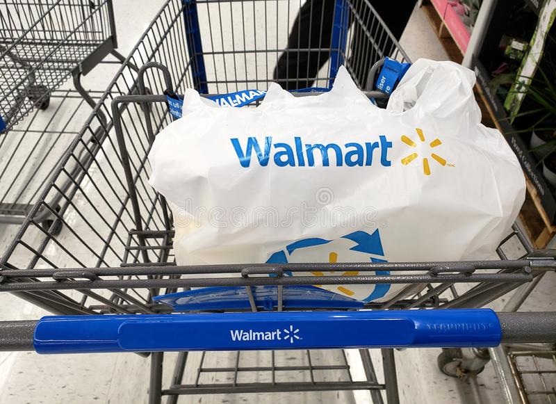 Walmartboodschappenwagentje royalty-vrije stock fotografie