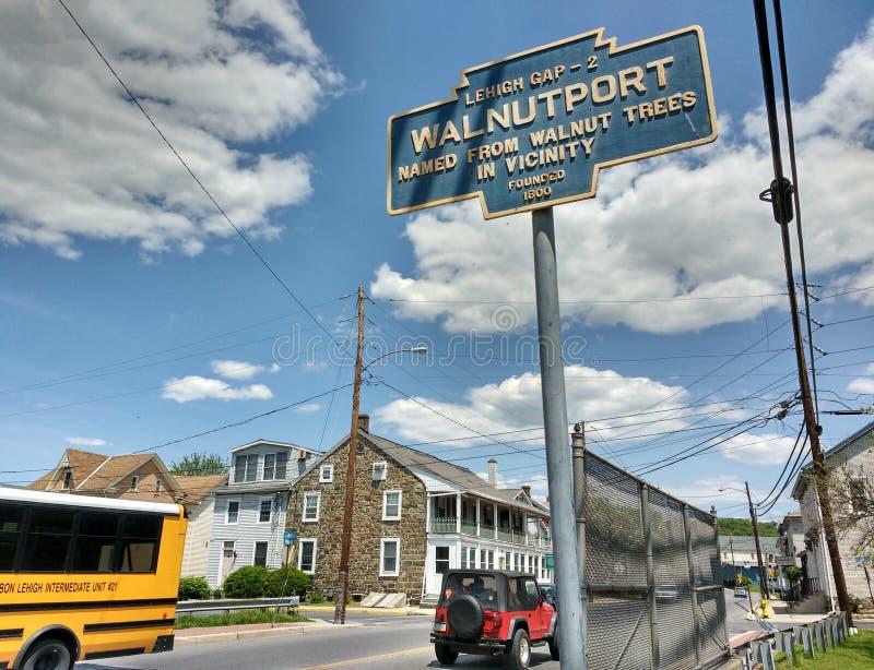 Walnutport, Pensilvânia, EUA, nomeados das árvores de noz imagens de stock