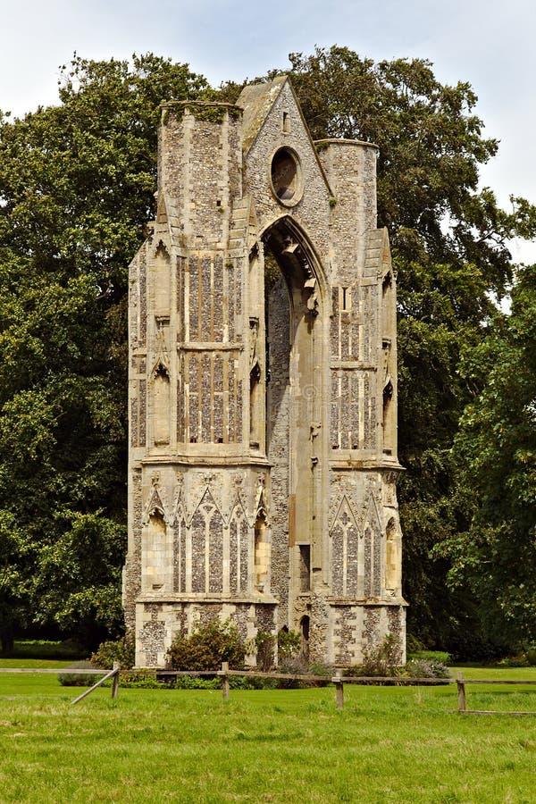 Walsingham opactwa priory ` s okno Wschodnie ruiny zdjęcia royalty free