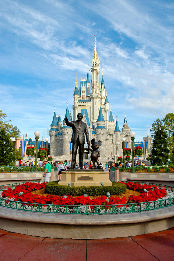 Download Walt Disney And Mickey Mouse Statue. Editorial Photo - Image: 27814651