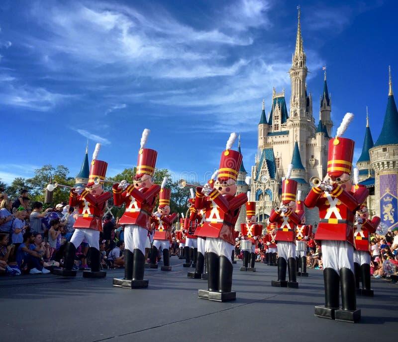 Walt Disney världsChistmas ferier ståtar arkivbilder