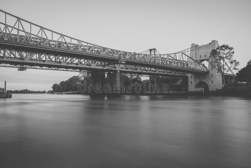 Walter Taylor Bridge in Brisbane lizenzfreie stockfotos