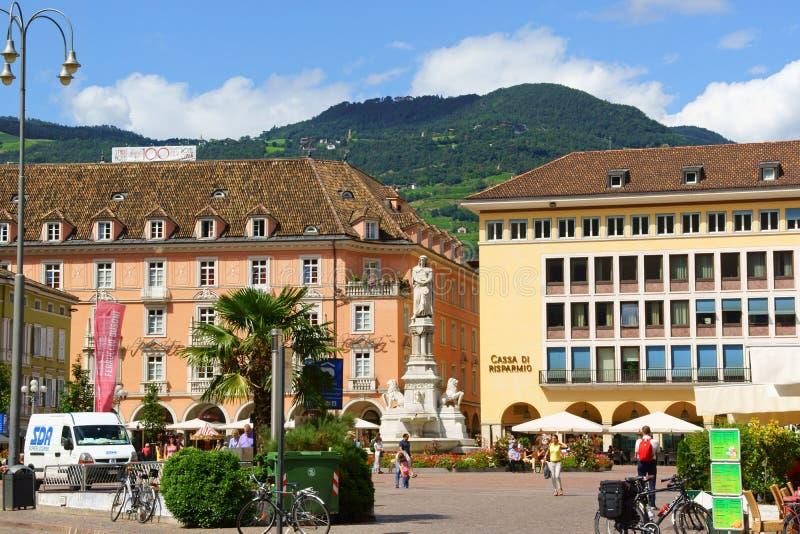 Walther Square em Bolzano (Bozen), Itália fotos de stock