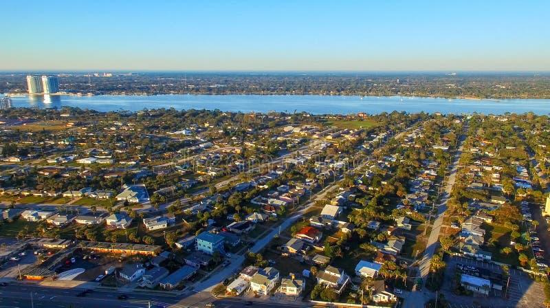 WALTON DO FORTE, FL - EM FEVEREIRO DE 2016: Opinião aérea da cidade Forte Walton mim imagem de stock