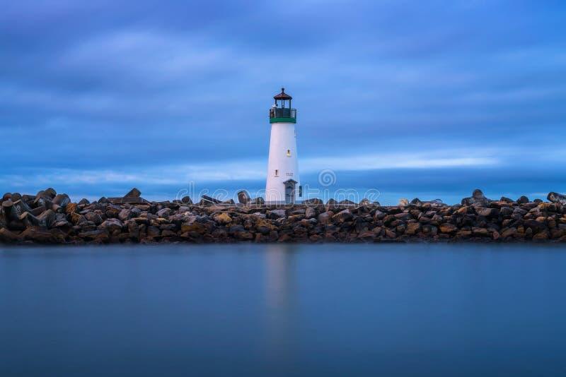 Walton latarnia morska przy Santa Cruz schronieniem w Monterey zatoce, Kalifornia fotografia royalty free
