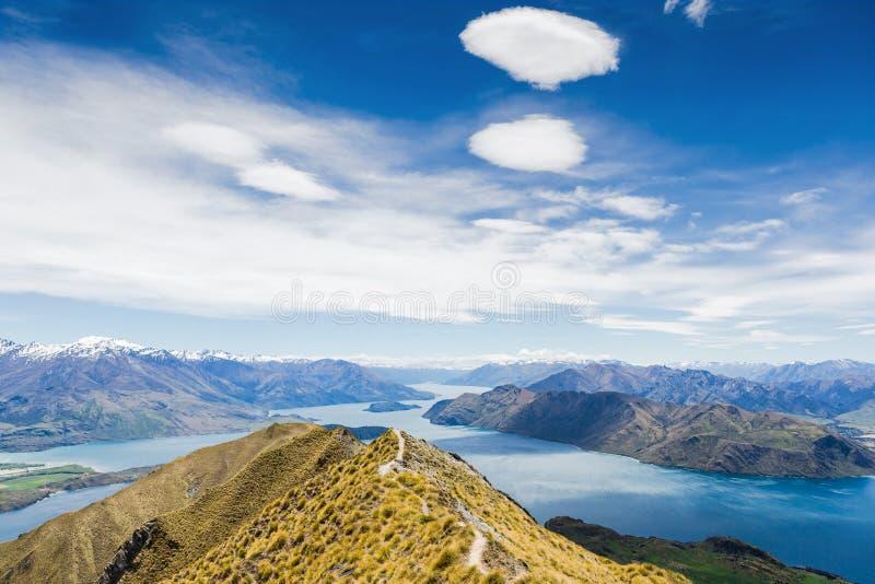 Wanaka озера и Mt Aspiring, Новая Зеландия стоковая фотография