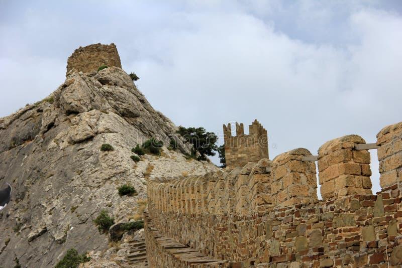 Wand der Genua-Festung in der Krim stockfotos