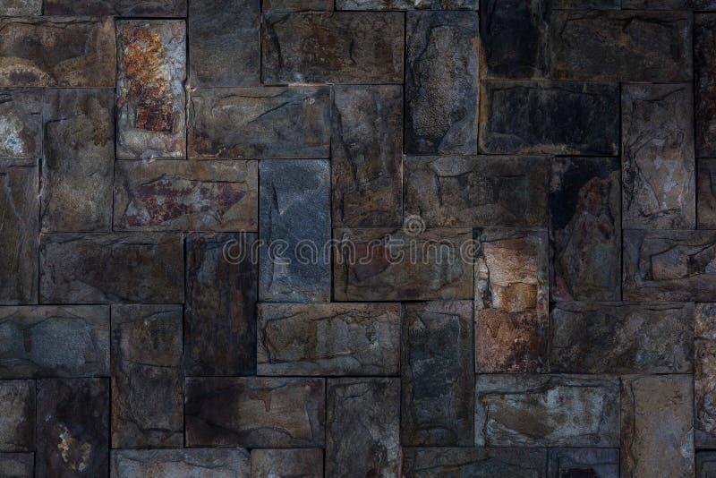 Wand des alten rauen Steins mit Sonnennahaufnahme stockfotografie