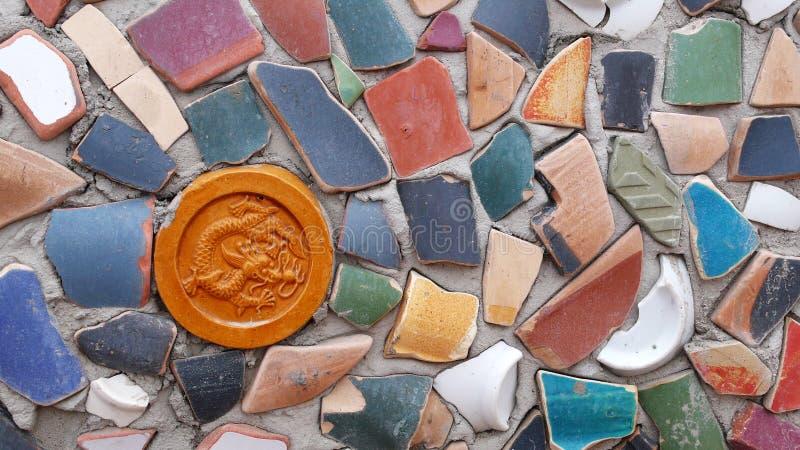 Wand hergestellt von den Lehm-Stücken lizenzfreie stockfotografie