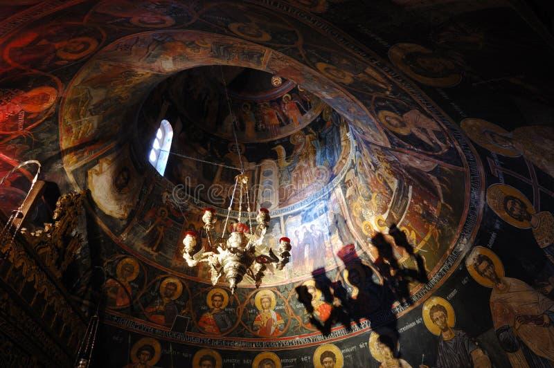 Wand pintings am Felsenkloster der heiligen Dreiheit lizenzfreies stockbild