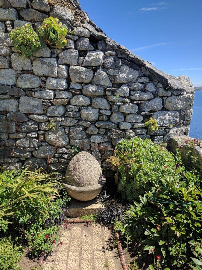 Wand an St- Michael` s Berg, Cornwall lizenzfreie stockbilder