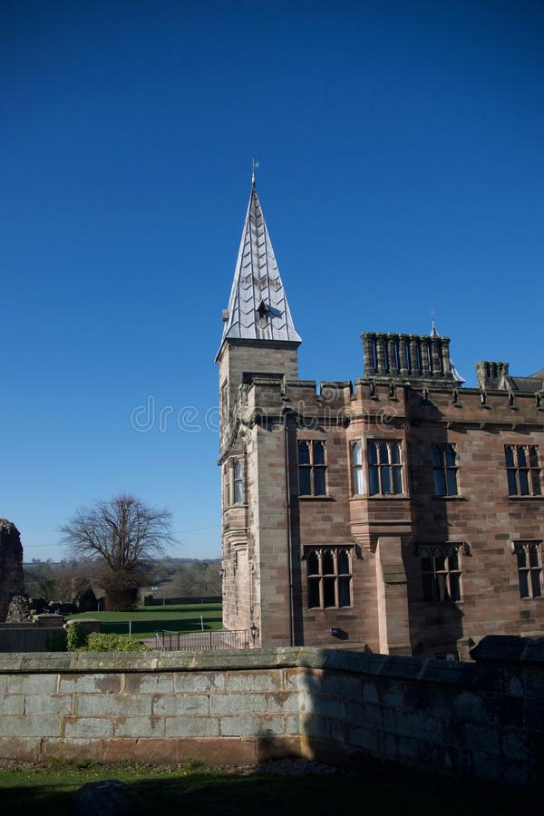 Wand und Alton Castle stockbild