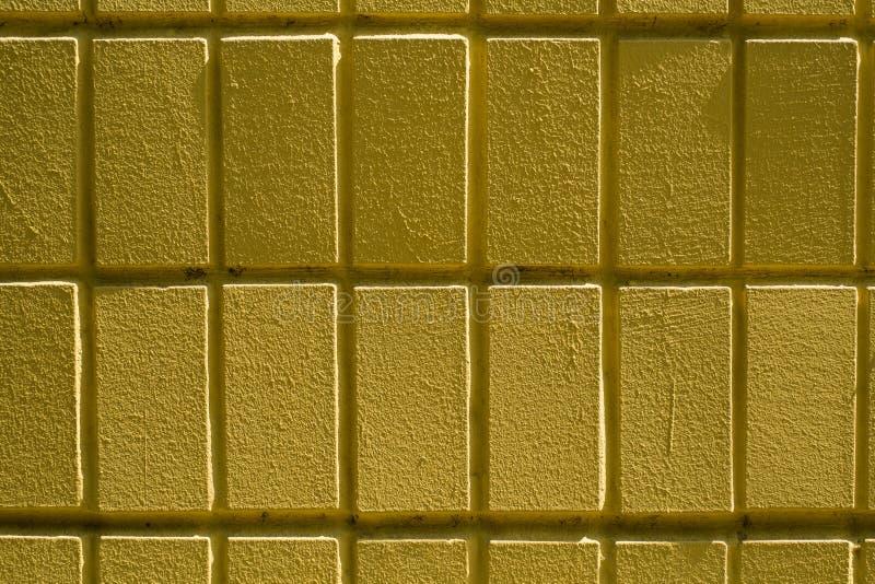 Wand von gelben Ziegelsteinen oder von Blöcken lizenzfreie stockfotografie