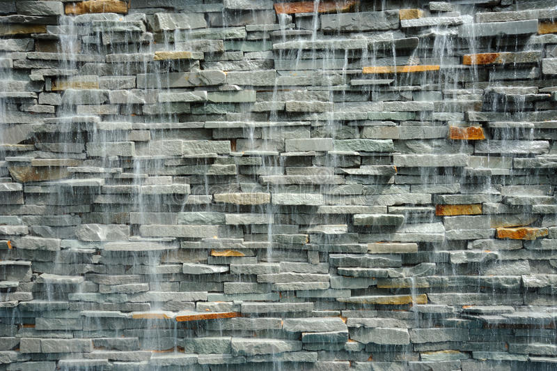 Wand wasserfall am erholungsort in thailand stockfoto - Wasserfall wand ...